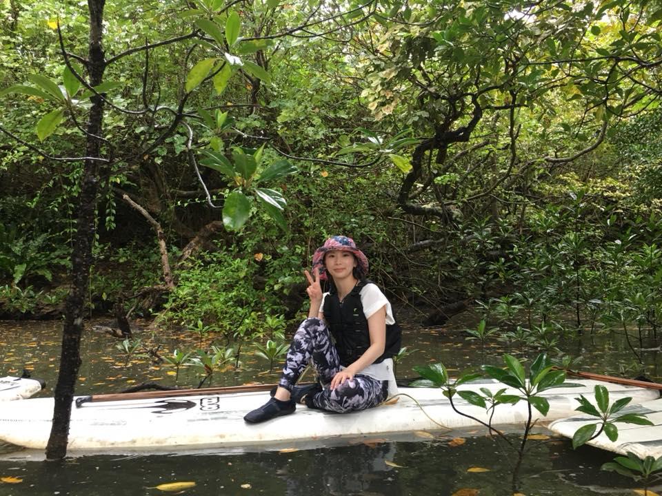 女性も手軽に冒険気分|石垣島のマングローブSUP