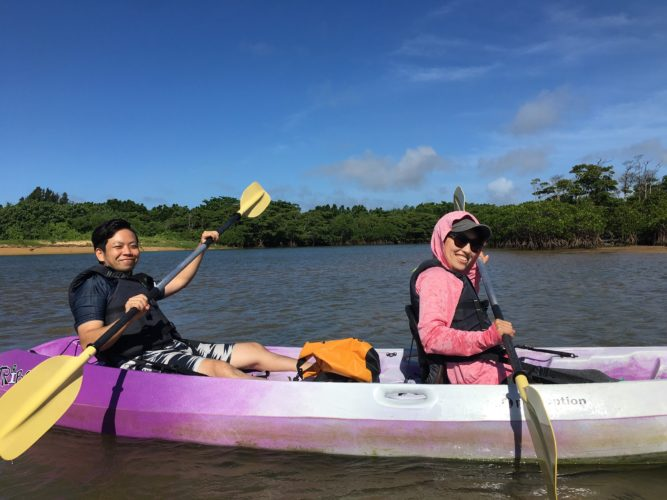 地元ゲストと石垣島のマングローブカヌー|パドルの練習