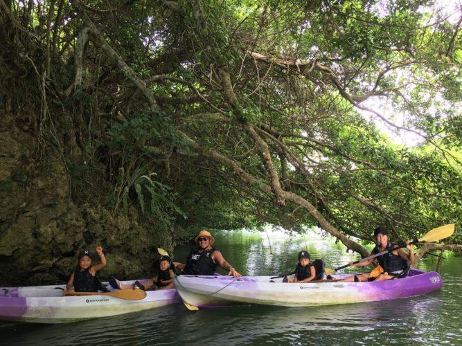 マングローブカヌーでガジュマル探検|石垣島ガイドCHORO