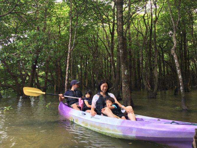 マングローブの森の中|家族みんなでマングローブカヌー
