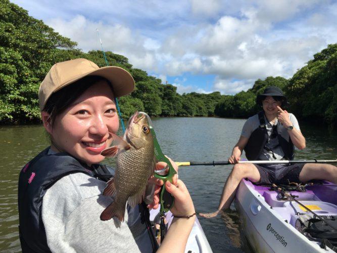 初めて釣った魚、石垣島のカヤックフィッシングにて