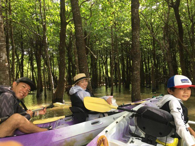 家族旅行で石垣島、マングローブカヌーに参加