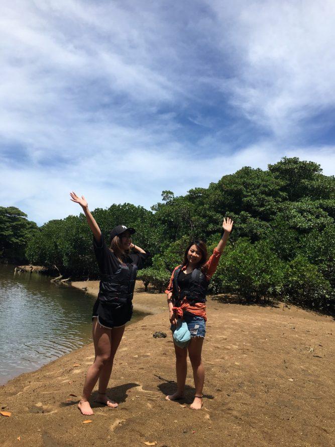石垣島女子旅マングローブにカヌーで上陸