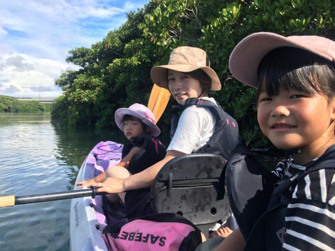 お母さんと娘さんで石垣島のマングローブカヌー女子チーム
