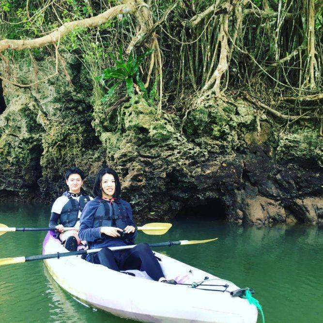 カヌーでマングローブの上流へ 石垣島ガイドCHORO